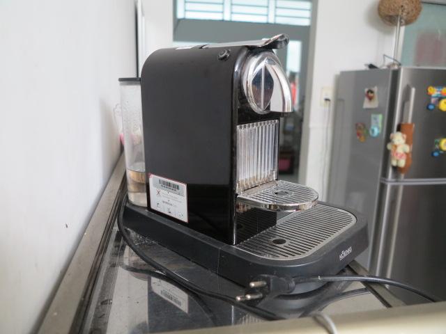 Máy pha cà phê bán tự động, phù hợp cho quán cà phê nhỏ