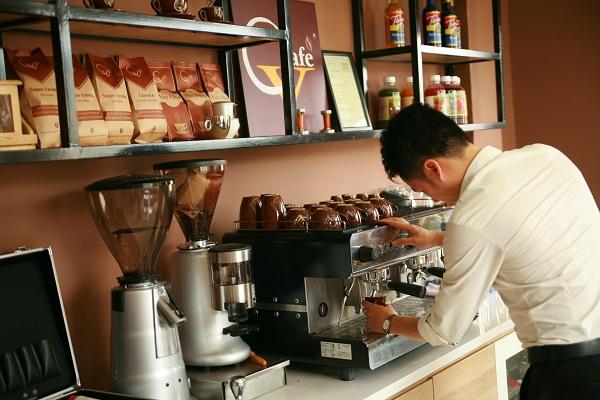 Đầu tư trang thiết bị - dụng cụ khi mở quán cà phê take away