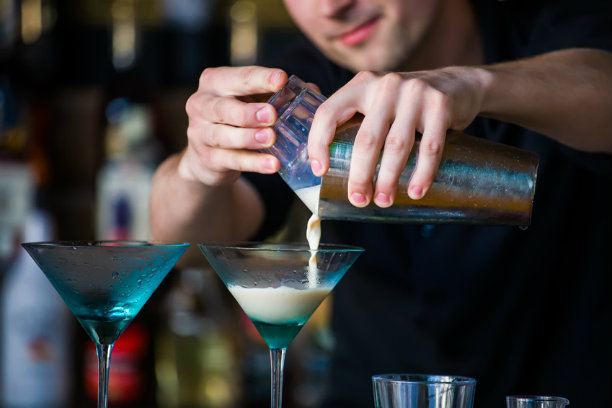 Dụng cụ pha chế cocktail