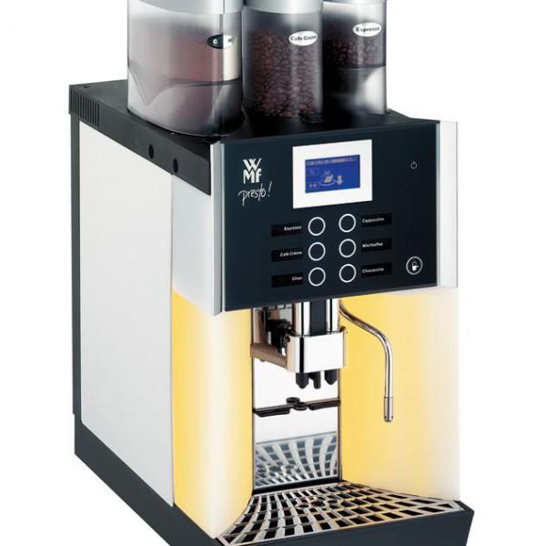 Khi mua máy pha cà phê, nên chọn chọn về chất lượng và khả năng vận hành hơn là hình thức